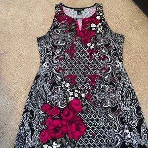 Black/white/berry sleeveless tunic